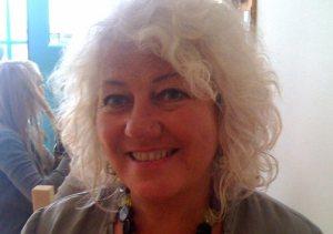 Lynne Crompton